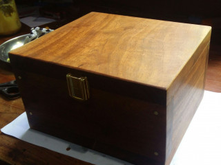 Watch/keepsakes wooden box
