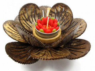 Candles with coconut shell holders