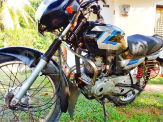 CT 100 Bike Bajaj
